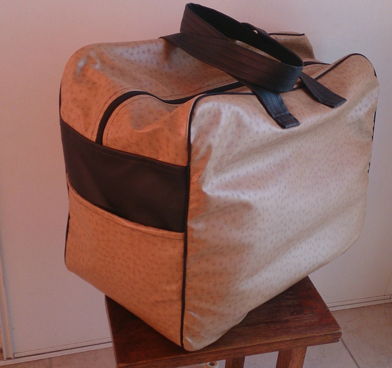 le sac de voyage homemade by lulue. Black Bedroom Furniture Sets. Home Design Ideas